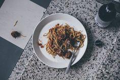 Panopasta testissä! Halparuokakirjan panopasta resepti eli timjamilla maustetut lihapullat tomaattikastikkeessa ja spagettia.
