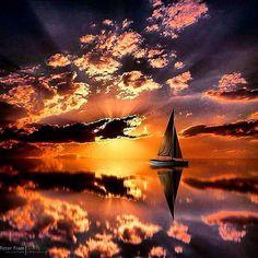 #Repost @sailchecker with @repostapp. ・・・ Super #sailing reflections. #velisti #velas #vela #mare #usa #maxprop #max_prop #maxprops #prop #propeller #sailing #sail #sailingboat #reflection #Repost #riflesso #mare #sea #mer