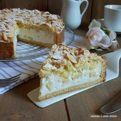 The crumbled cake with ricotta and pears with rum, is a dessert made with past … – backen Bakery Recipes, Sweets Recipes, Fall Recipes, Cheesecake Desserts, Mini Desserts, Ricotta Cake, Torte Cake, Shortcrust Pastry, Little Cakes