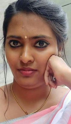 birdap on - Beauty World Beautiful Girl In India, Beautiful Women Over 40, Beautiful Blonde Girl, Most Beautiful Indian Actress, Indian Natural Beauty, Indian Beauty Saree, Beauty Full Girl, Beauty Women, Girl Number For Friendship