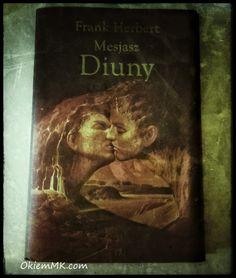 Zapraszam Was do zerknięcia na moja opinię o powieści: Mesjasz Diuny – Frank Herbert http://okiemmk.com/mesjasz-diuny-frank-herbert/