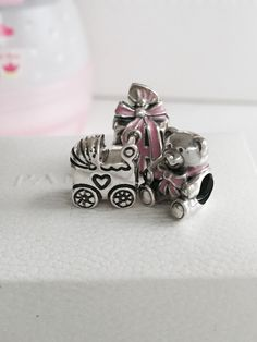 >>>Pandora Jewelry OFF! >>>Visit>> Cute charms to celebrate a newborn little baby girl and the joy of motherhood. Pandora Bracelet Charms, Locket Charms, Pandora Jewelry, Cute Jewelry, Charm Jewelry, Push Gifts, New Pandora, Platinum Jewelry, Charm Rings