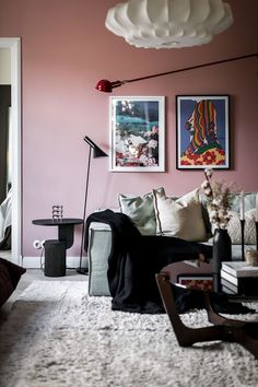 〚 Pink walls and separate room with fireplace: visiting Swedish blogger Margot Dietz 〛 ◾ Photos ◾ Ideas ◾ Design #pink #livingroom #interiordesign #Homedecor #inspiration #cozy #living #style #space #home #decor