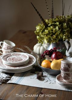 The Charm of Home: Thanksgiving Tablescape