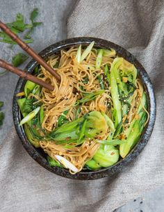 15 minute sesame ginger noodles are quick and easy to make!