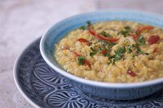 Κόκκινες φακές με γάλα καρύδας και κάρυ Risotto, Cooking Recipes, Ethnic Recipes, Easy, Food, Cooker Recipes, Chef Recipes, Meals, Yemek