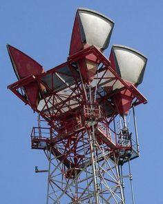 Hohorn KS15676 Anttenna atop AT&T microwave tower, Pinckard, AL. Bell Network Hub