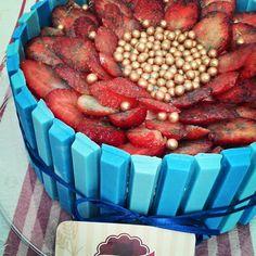 Bolo diet mousse de chocolate e mousse de morango   https://www.facebook.com/CaseiricesdaCarla