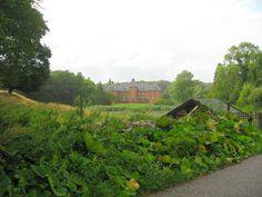Holstenshuus slot og gods 5 km øst for Faaborg.