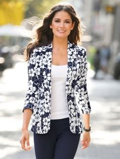 Chaqueta americana mujer manga larga Blazer Outfits For Women, Vest Outfits, Classy Outfits, Casual Outfits, Look Blazer, Casual Blazer, Blazer Fashion, Fashion Outfits, Casual Chique