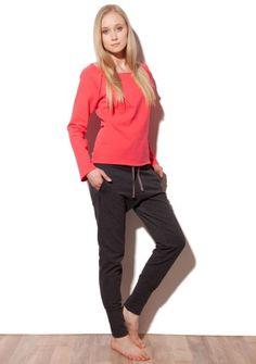 spodnie z dzianiny do kupienia na: http://bozzolo.pl/kobieta/spodnie-dresowe-damskie.html