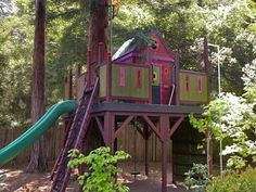 "Green Tree Houses for Kids ""Create a great backyard play structure that's an outdoor playroom. Make it beautiful to look at and strong enough for the whole family to play on it. Play Structures For Kids, Tyni House, House Kits, Tree House Plans, Outdoor Projects, Outdoor Decor, Cool Tree Houses, Tree House Designs, Backyard Playhouse"