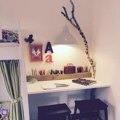 """57 Synes godt om, 5 kommentarer – Reshopper (@reshopper) på Instagram: """"Inspiration til børneværelset. Hjemmelavet lampeophæng med birkegren kreeret af Reshopper-…"""" Kidsroom, My Baby Girl, Future House, Interior Decorating, Home And Garden, Bed, Instagram Posts, Furniture, Home Decor"""