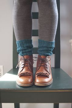 love the socks poking out of the boots over tights idea.. have to try it out Shoes, Fashion, Ankle Boots, Pretti Thing, Shoe Brownsho, Boot Socks, Shoe Galor