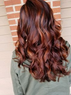 hair color These ashy balayage short hair really are fabulous! These ashy balayage short hair really are fabulous! Hair Color Auburn, Auburn Hair, Hair Color Balayage, Ashy Balayage, Haircolor, Hair Color And Cut, Hair Affair, Brunette Hair, Fall Hair