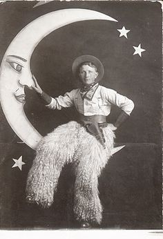 :: 1920's Paper moon Photography ::