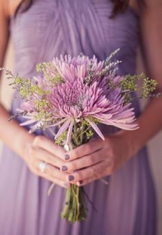 30 Lilac And Lavender Wedding Inspirational Ideas | Weddingomania #lilacweddings #lavenderweddings #weddingbouquet