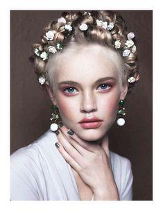 flowery hairdos #hairstyles