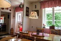 Ein Café zum Wohlfühlen im Glasreich  ... #café #glasreich #smaland #schweden