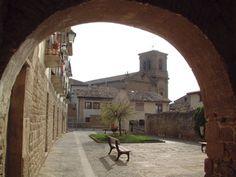 Arco de entrada al Patio Iribas, Tafalla #Navarra