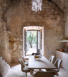 decordemon: Magical Croatian Tower creating a castle like atmosphere … Rustic Elegance, Modern Rustic, Old Stone Houses, Boffi, Deco Nature, Piece A Vivre, Rustic Kitchen, Rustic Table, Interior Styling