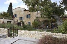Luxurious retreat amongst rolling vineyards