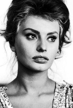 Sophia Loren, photographed by Alfred Eisenstaedt, Rome, 1961.