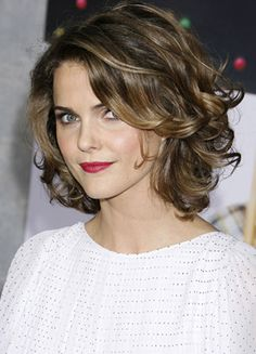 Great wavy bob with side bangs, I want it shorter than this, but would like option to leave curly