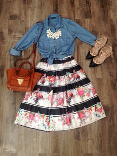 Chambray and Floral! Modest Fashion outfit ideas - Chambray and Floral! Modest Fashion outfit ideas The Effective Pictures We Offer You About fall fas - Modest Outfits, Modest Fashion, Dress Outfits, Fall Outfits, Summer Outfits, Cute Outfits, Fashion Outfits, Church Outfits, Floral Fashion