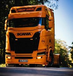 Show Trucks, Mack Trucks, Big Rig Trucks, Sport Truck, Rv Truck, Ferrari F80, Classic Tractor, Cab Over, Expedition Vehicle