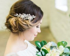 Add a freshwater pearl flourish to your wedding day look with the silver Florence Wedding Hair Comb, hand wired pearls & crystals. Hair Comb Wedding, Headpiece Wedding, Up Styles, Hair Styles, Spring Wedding Inspiration, Silver Hair, Natural Looks, Fresh Water, Florence