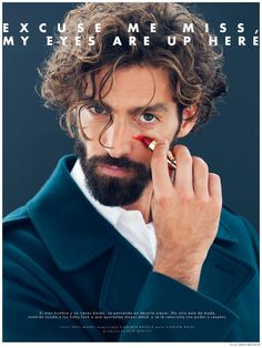 Maximiliano Patane Plays Makeup Artist for Elle Man Mexico image Maximiliano Patane Elle Men Mexico Photo Shoot 001 800x1066