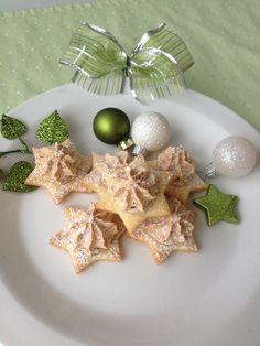 Vánoční hvězdičky Christmas Sweets, Christmas Wrapping, Christmas Baking, Christmas Ornaments, Czech Recipes, Holiday Cookies, Pavlova, Diy And Crafts, Pudding