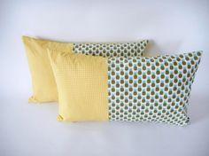 Housse de coussin - 50x30cm - tissu imprimé ananas et mini triangles - tandance exotique et tropicale - jaune et vert