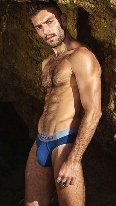 Bulging voyeur bears Men bulges shorts