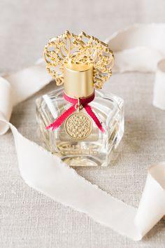 Vince Camuto fragrance: http://www.stylemepretty.com/vault/gallery/39606   Photography: Koman Photography - http://komanphotography.com/