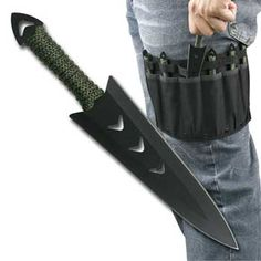 throwing knives holster... need it when I get more throwing knives.