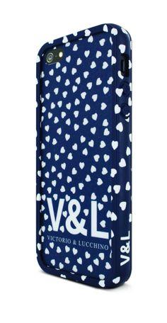Funda bumper Corazones Azules + sticker + protector pantalla antihuellas para iPhone 5/5S de Victorio y Lucchino