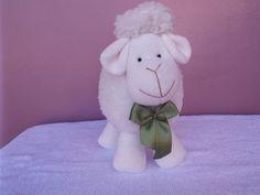Carneirinho Bento decorativo -  laço verde pistache. ovelha- decoração- bebê- infantil - lamb decor - festa -  chá de bebê - baby decor - baby shower - ovelhinha - la mar - atelier la mar