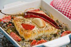 Gebackener Fetakäse auf Spinat-Gemüse-Bett