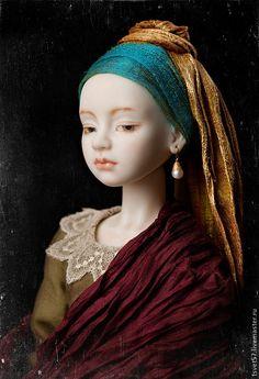 """Купить Шарнирная фарфоровая кукла """"Девушка с жемчужной сережкой"""" - тёмно-бирюзовый, фарфор, шелк"""
