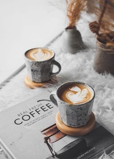 Great ways to make authentic Italian coffee and understand the Italian culture of espresso cappuccino and more! Coffee Latte Art, Coffee Cozy, Hot Coffee, Coffee Break, Coffee Drinks, Coffee Time, Coffee Shops, Coffee Lovers, Drip Coffee