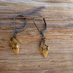Boucles d'oreilles émail moutarde et bronze