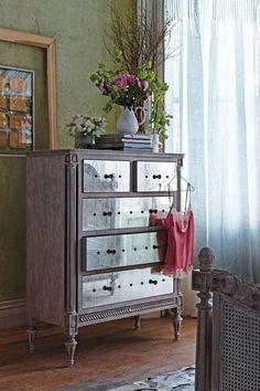 Mirelle Dresser #anthrofave