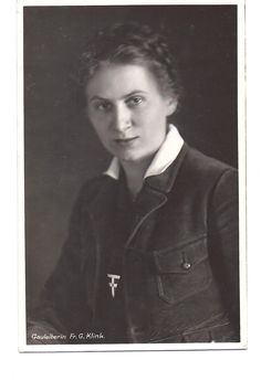 Scholtz-Klink joined the Nazi Party and by 1929 became leader of the women's section in Berlin. In 1932, Scholtz-Klink married Guenther Scholtz, a country doctor