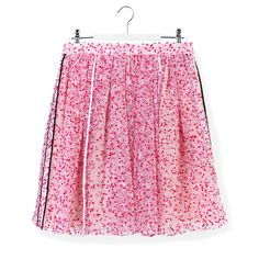 Fendi Fendi Flower Printed Skirt (€585) ❤ liked on Polyvore featuring skirts, pink, cut out skirt, flower print skirt, knee length pleated skirt, pleated skirt and pink pleated skirt