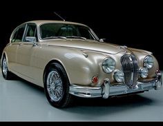 Beacham Jaguar Mk II with wire wheels.  v@e.                                                                                                                                                                                 More