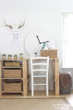 Love this! How to Make Your Own Clock out of a sheet of plywood!