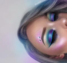 ♡ D R E W ♡ ( Hi-Lite Blossom palette (purple shade) EYES: ultimate brights palette + face & body glitter: crystal 'in the sky' loose shimmer + gel liner: wicked (blue liner is face paint! Makeup Goals, Makeup Inspo, Makeup Art, Makeup Inspiration, Makeup Ideas, Makeup Designs, Makeup Style, Makeup Geek, Make Up Looks