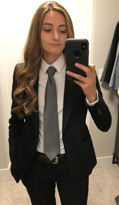 Lesbian Outfits, Prom Outfits, Tomboy Outfits, Tomboy Fashion, Suit Fashion, Girl Outfits, Fashion Outfits, Androgynous Fashion Women, Tomboy Style
